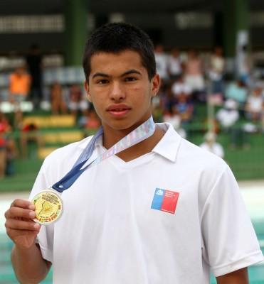 nadador-chileno-Emilio-Cruz-371x400