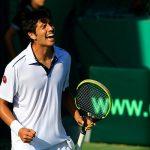 Paul Capdeville y Laslo Urrutia avanzan en torneos internacionales de tenis