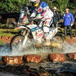"""""""Chaleco"""" López y Sebastián Palma lideran la competencia de motos y quads del Desafío Guaraní"""