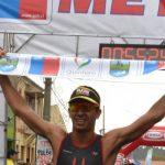 Gaspar Riveros y Valentina Carvallo ganaron el Triatlón Quintero-Puchuncaví