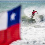 Manuel Selman avanzó a la tercera ronda de los ISA World Surfing Games