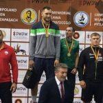 Yasmani Acosta logra medalla de plata en el Grand Prix de Polonia de Lucha Olímpica