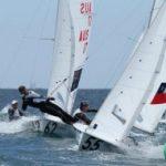 Velero nacional categoría 470 busca el cupo olímpico en Barcelona