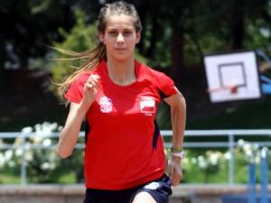 Isidora Jiménez bate record chileno juvenil en los 400 metros planos