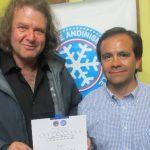Federación de Andinismo premió a Mauricio Purto por ascenso al Everest