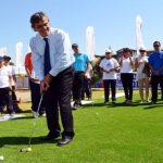 Ministro Longueira inauguró minicancha de golf en la previa del Chile Classic 2013