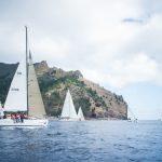 """Yate """"Odisea +"""" es el primero en llegar a Higuerillas en jornada de la regata Higuerillas - Robinson Crusoe"""