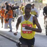Julius Keter ganó el Maratón de Santiago con nueva mejor marca para la prueba