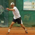 Cristóbal Saavedra avanzó a cuartos de final del Futuro 8 de Serbia