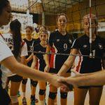 Manquehue es el primer finalista en damas de la Copa Providencia de Volleyball