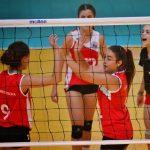 Manquehue y Universidad Católica mantienen el invicto en damas de la Copa Providencia de Volleyball