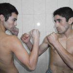 """Robinson Laviñanza y Luis """"Finito"""" Dee cumplieron con el pesaje antes de su pelea en el Club México"""