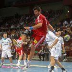 Marco Oneto declina jugar por la Selección Mundial de Handball debido a una lesión