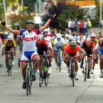 Dos triunfos de Cristopher Mansilla marcan actuación chilena en la Vuelta Ciclista de Mendoza