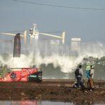 Olas gigantes forzaron la suspensión del Maui Arica Pro Tour