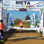 César Díaz y Geraldine Becerra ganaron la media maratón de Quintero