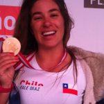 Valentina Díaz logró histórica medalla de oro para Chile en los Panamericanos de Surf