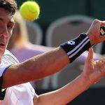 Cristóbal Saavedra avanza sin jugar a las semifinales de dobles en España