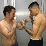 """""""Maravilla"""" Fuenzalida y """"Bombardero"""" Vega realizaron la ceremonia de pesaje previa a su pelea en Club México"""