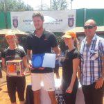 Nicolás Jarry se tituló campeón en singles y dobles del Futuro Chile 8