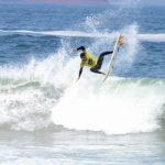 Brasileño Samuel Igo sorprende en el inicio del ALAS Latin Tour de surf en Reñaca