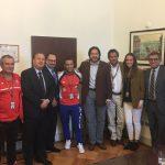 Segpres dará urgencia a proyecto de ley para nacionalización por gracia del pesista Arley Méndez