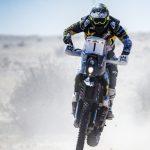 Lesión en una rodilla complicó a Pablo Quintanilla en la tercera etapa del Rally de Qatar