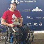 Carlos Muñoz obtuvo el título en singles y dobles del Grand Prix de Brasil