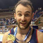Tomás González gana medalla de oro en suelo en la Copa del Mundo de Bulgaria
