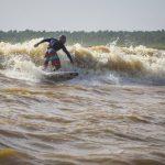 Se estrena Amazon High Tide, el nuevo documental del surfista Ramón Navarro