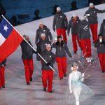 Con Henrik Von Appen como abanderado desfiló el Team Chile en la inauguración de los Juegos Olímpicos de Invierno