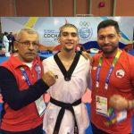 Sebastián Navea entrega la primera medalla de oro para el taekwondo chileno en Cochabamba