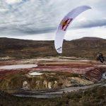 Chileno Víctor Carrera, campeón mundial de parapente acrobático, comenzó su preparación para 2018 en Laguna Roja