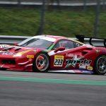 Benjamín Hites ganó la segunda jornada de la final mundial del Ferrari Challenge