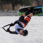 Martín Labra logró un nuevo récord chileno infantil de figuras en esquí náutico