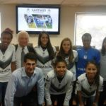 Jugadoras de Santiago Morning firman los primeros contratos profesionales del fútbol femenino nacional