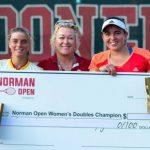 Fernanda Labraña se tituló campeona de dobles del W15 de Norman