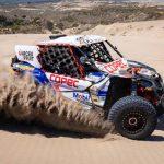 """""""Chaleco"""" López fue cuarto en la categoría Side By Side en el inicio del Dakar"""