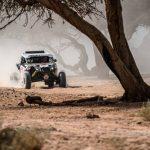 """""""Chaleco"""" López vive una compleja jornada y baja al tercer lugar de la general en el Dakar"""