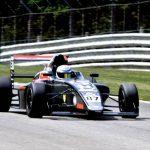 Nicolás Pino logra un noveno y un décimo lugar en nueva fecha de la Fórmula 4 Británica