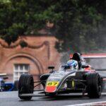 Nicolás Pino sumó cinco puntos en la tercera fecha de la Fórmula 4 Británica