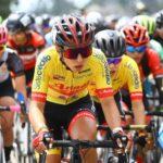 Aranza Villalón comenzó la defensa del título en la Vuelta a Colombia Femenina