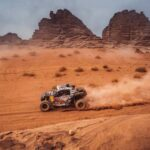 """""""Chaleco"""" López se mantiene como el líder de sus categorías tras la décima etapa del Dakar"""